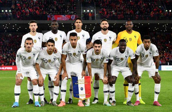 Frankreichs Spieler werden vor dem Fußball-Qualifikationsspiel der Euro 2020 Gruppe H zwischen Albanien und Frankreich im Air Albania Stadion in Tirana, am 17. November 2019, abgebildet. Tirana, on November 17, 2019. (Photo by FRANCK FIFE / AFP)